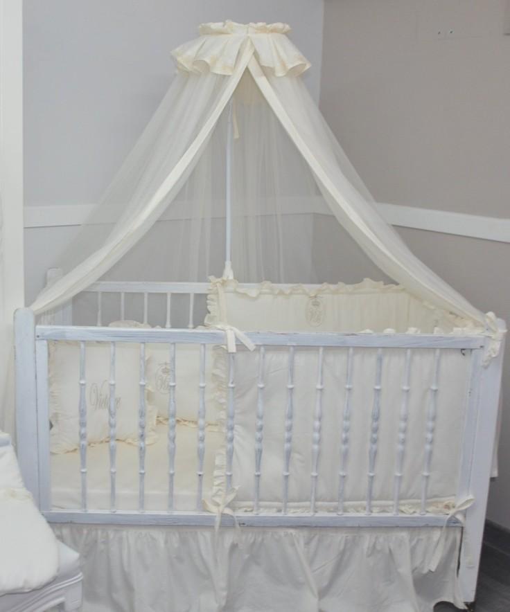 ciel-de-lit-de-bébé-moustiquaire-en-voile-gris.jpg