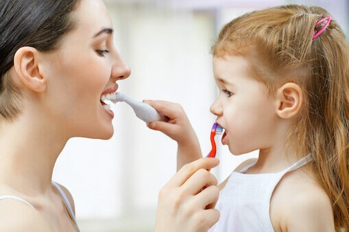 tips-to-brush-your-childs-teeth1970545225.jpg